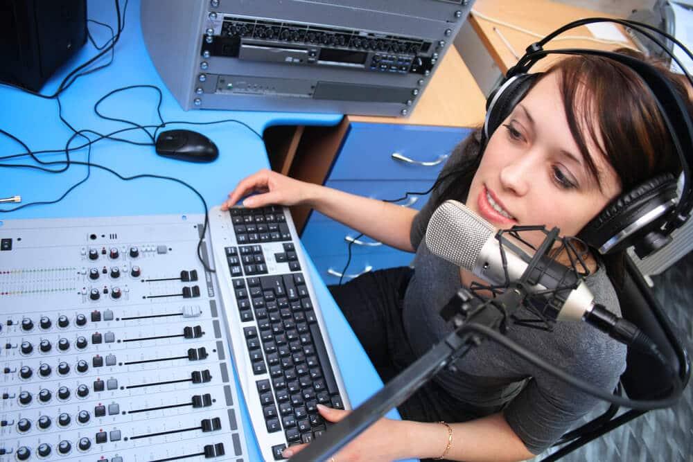 como-fazer-uma-web-radio.jpeg
