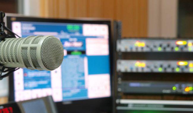 Quais-os-principais-equipamentos-necessarios-para-uma-radio