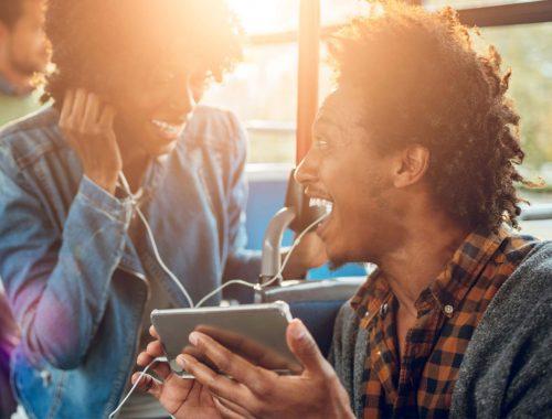 10-dicas-infalíveis-para-atrair-mais-ouvintes-para-sua-rádio-online