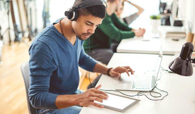 Rádio-comunitária-como-criar-uma-web-rádio-voltada-para-a-comunidade