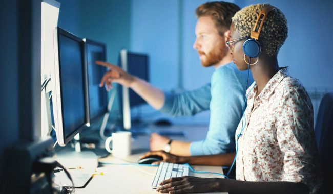Pesquisa de concorrentes de rádio online